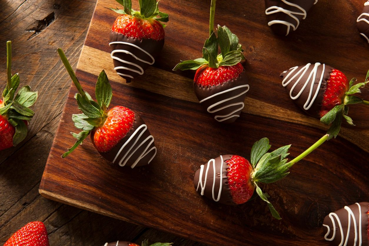 Chocolate Covered Strawberries | The Villa by Villa Park Catering