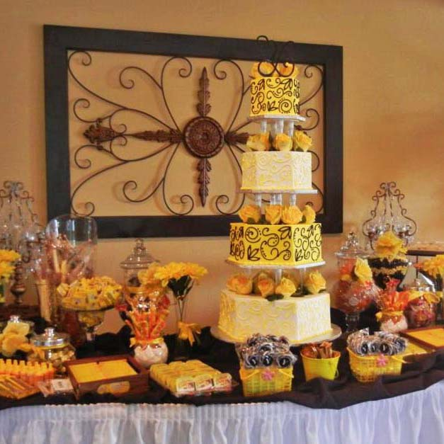Candy Table and Cakes at Your Wedding   The Villa