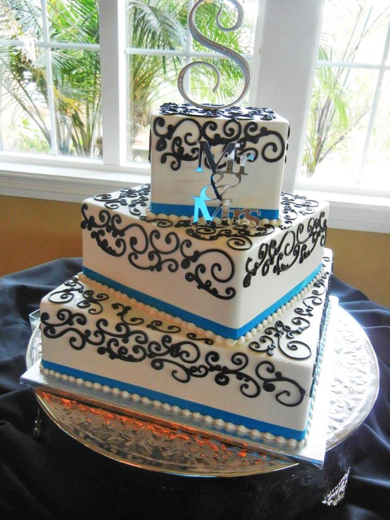 Wedding Cakes by Creative Cakes   The Villa