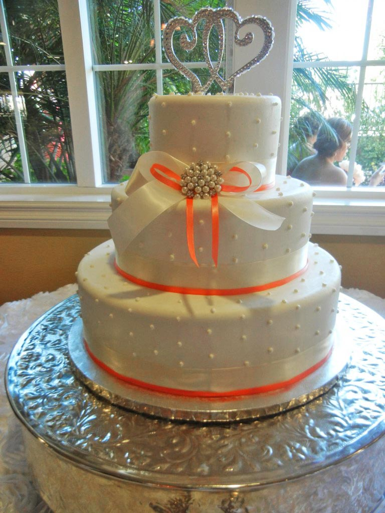 Cakes for your wedding   The Villa